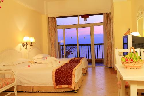 Golden Phoenix Sea View Hotel - Sanya